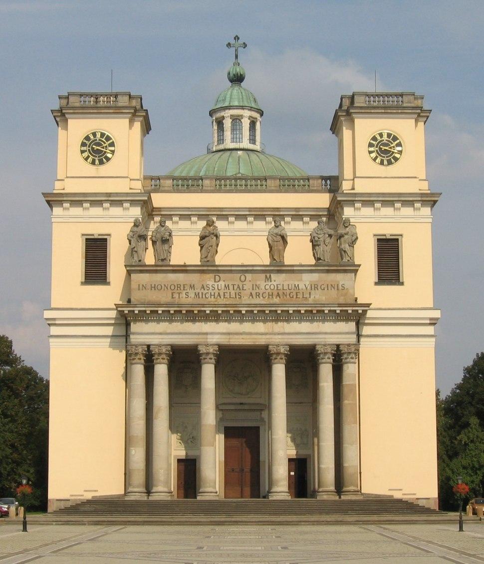 Cathedral, Vác