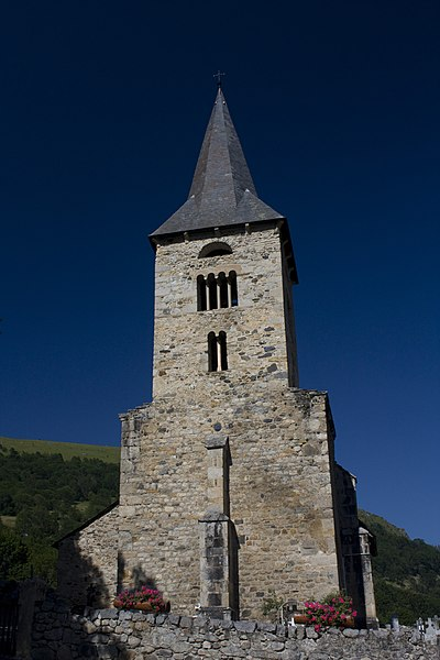English:  West facade of St. Anne's Church, Cazaux.
