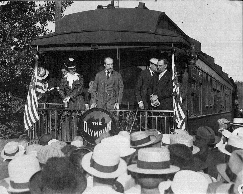 Charles E Hughes campaigning in Winona MN 1916