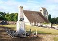 Chevannes-FR-45-monument aux morts & église-21.jpg