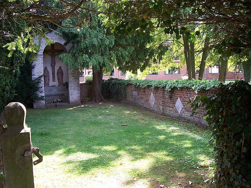 Certaines parties de l'hospice, à savoir: la grange, la chapelle, les façades et toitures de la maison de l'Aumônier, l'aile ancienne et le bâtiment du XVIIe siècle situé face à la chapelle à Rebecq-Rognon