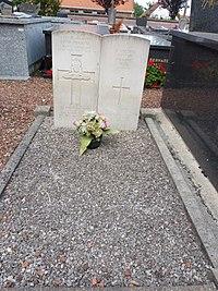 Clairmarais (Pas-de-Calais, Fr) tombes de guerre de la CWGC.JPG