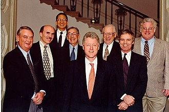 Robert B. Laughlin - Laughlin (right) in the White House together with other 1998 US Nobel Prize Winners and the President Bill Clinton