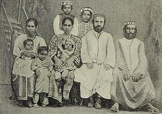 Ethnic groups in Kerala - An Indian Jewish family in Cochin, circa 1900.