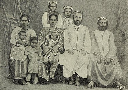 An Indian Jewish family in Cochin, circa 1900. - Malayali
