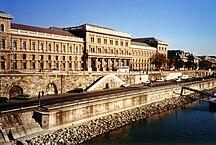 Budapest-Enseignement supérieur-Corvinus University Budapest Main Building