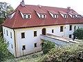 Dům Marie Terezie kněžny Savojské, od kaple.jpg