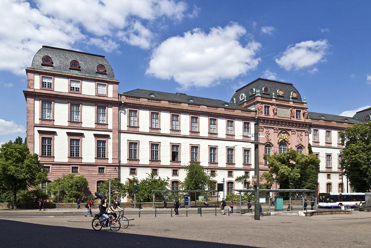 Restaurant Darmstadt Innenstadt : residenzschloss darmstadt wikipedia ~ Watch28wear.com Haus und Dekorationen
