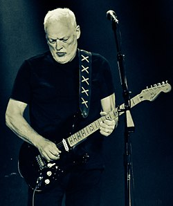 David Gilmour, Madison Square Garden, April 2016.jpg