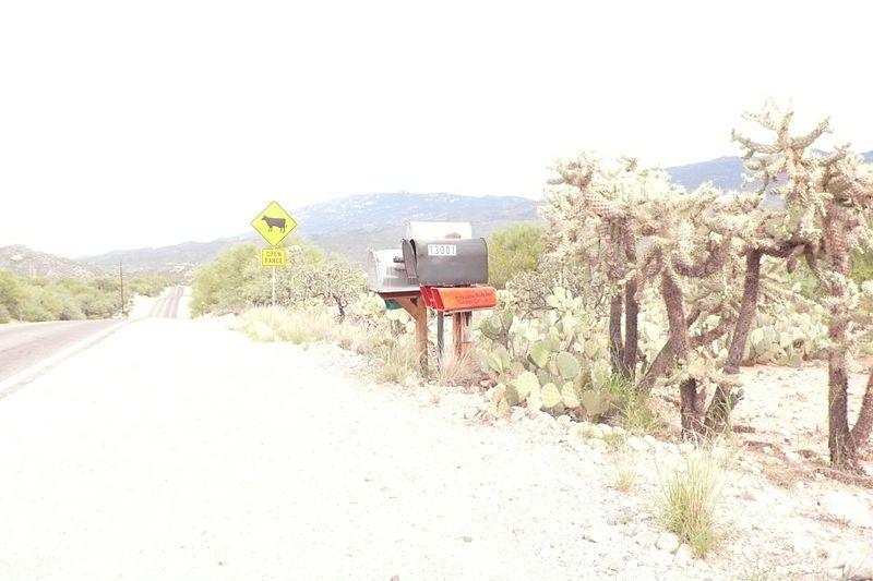 File:Deep well ranch mailbox 13001 Redington Rd.jpg