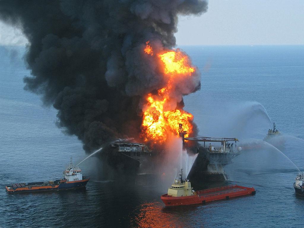 1024px-Deepwater_Horizon_offshore_drilli