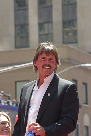 Dennis Eckersley - Eckersley at the 2008 All-Star Game Red Carpet Parade