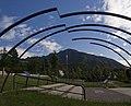 Dirigibile con Monte Summano sullo sfondo - altra vista.jpg