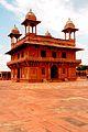 Diwan-I-Khas of Fatehpur Sikri in Agra (Uttar Pradesh).jpg