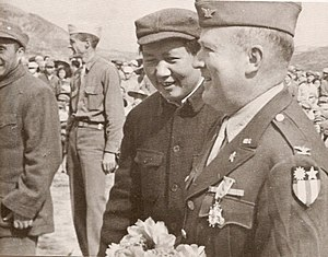 Dixie Mission commander Colonel David D. Barrett and Mao Zedong in Yenan, 1944.jpg