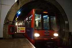 Docklands Light Railway 03 (5995754226).jpg