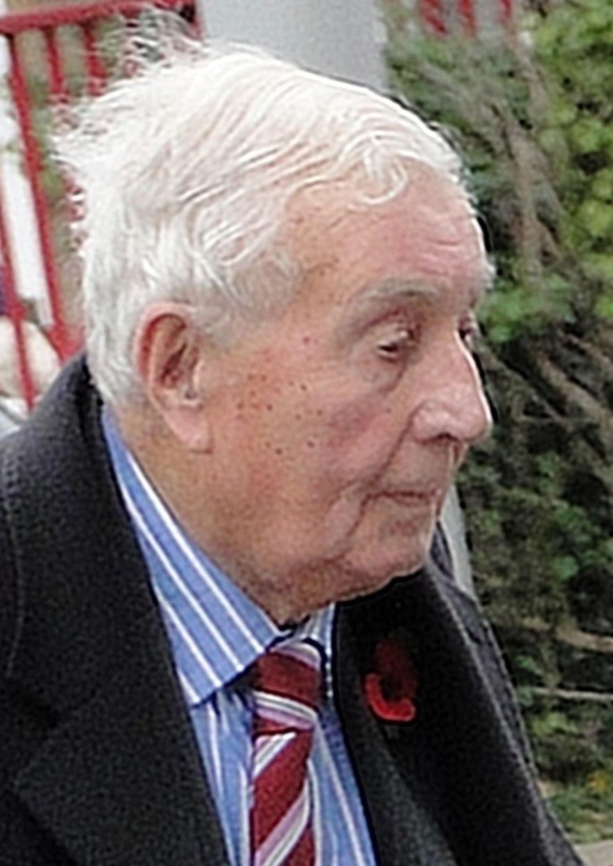 Chelsea legend Derek Saunders dies at the age of 90