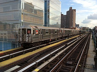 1 (New York City Subway service) - Image: Downtown 1 train arriving at 125 St