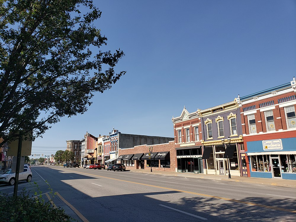 The population density of Ottawa in Kansas is 495.84 people per square kilometer (1284.16 / sq mi)