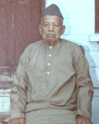 Ishwari Prasad - Dr. Ishwari Prasad at his residence in Agra (Dec 1979)