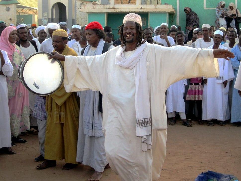Drummer at Hamed el-Nil Mosque (8625532075)