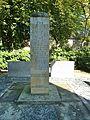 Ehrendenkmal der Radiologen AK St. Georg (2).jpg