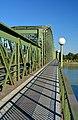 Eisenbahnbrücke Linz, heading SE.jpg