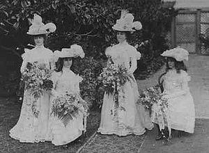 Herbert Angas Parsons - Image: Elsie Bonython Bridesmaids 18 April 1900 B30390