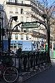 Entrée métro Temple Paris 4.jpg