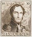 Reproducerea primului timbru poștal belgian.  De 10 centime și de culoare maro, face portretul regelui în uniformă epoletă.