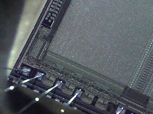Intel Play - EPROM. 60x Closeup With Qx5.