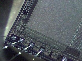 Intel Play - EPROM. 60x Closeup With Qx5.