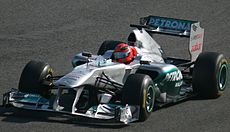 F1 2011 Jerez day 3-11 (cropped).jpg