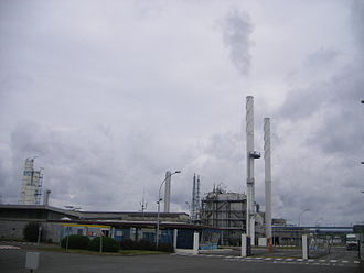 Bésingrand - The oil refinery in Bésingrand