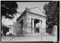 FRONT SOUTHWEST PORTICO, LOOKING EAST - Monumental Church, 1224 East Broad Street, Richmond, Independent City, VA HABS VA,44-RICH,24-3.tif