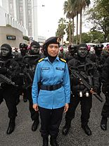 Female RMN along with Navy PASKAL frogman strike team members during 57th NDP.JPG