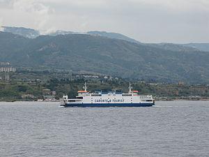 Ferry Tremestieri crossing the Strait of Messina - Oct. 2009.jpg