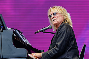 Christophe (singer) - Christophe during a concert at the Vieilles Charrues Festival in 2014.