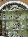 Figuras decorativas J. Cruz calle Freire.jpg