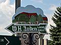 Fingerpost to W.H. Auden's house in Kirchstetten.jpg