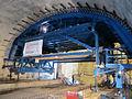 Formwork with hydraulic jack for lifting and lowering Механизированная опалубка свода поднята в проектное положение с помощью гидравлических домкратов.jpg