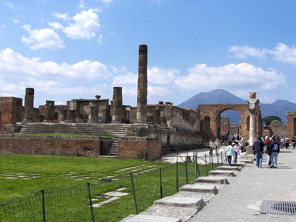 Forum in Pompeii 2