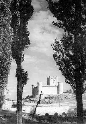 Castle of Torrelobatón - Old photo of the castle.