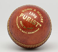 GandM Purist 156g cricket ball n01.jpg
