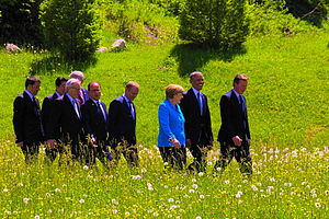 41st G7 summit - Leaders walk to the family photo's moment.