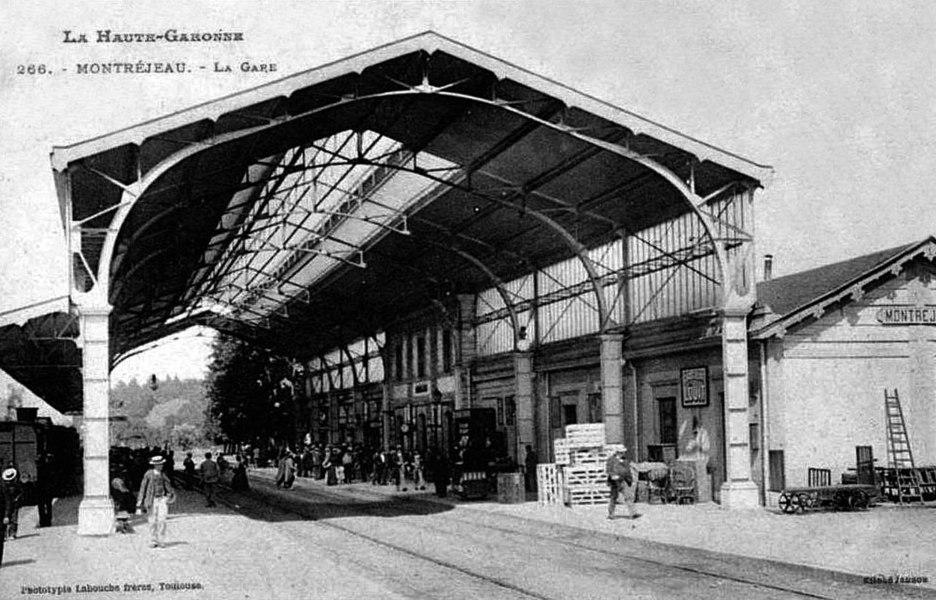 La marquise de la gare de Montréjeau - Gourdan-Polignan dans le département de la Haute-Garonne.