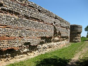 Burgh Castle Roman Site - The well preserved Southern walls