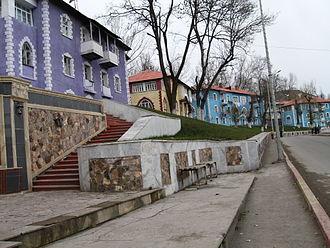 Daşkəsən - Examples of the German-built apartment buildings in Daşkəsən.