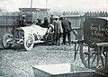 Grand Prix de l'ACF 1908, le vainqueur Christian Lautenschlager part au pesage.jpg