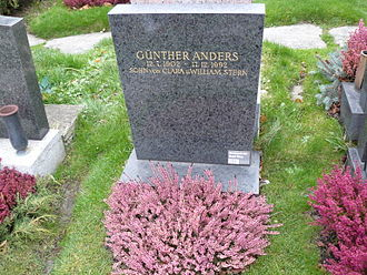 Günther Anders - Günther Anders' grave in Vienna